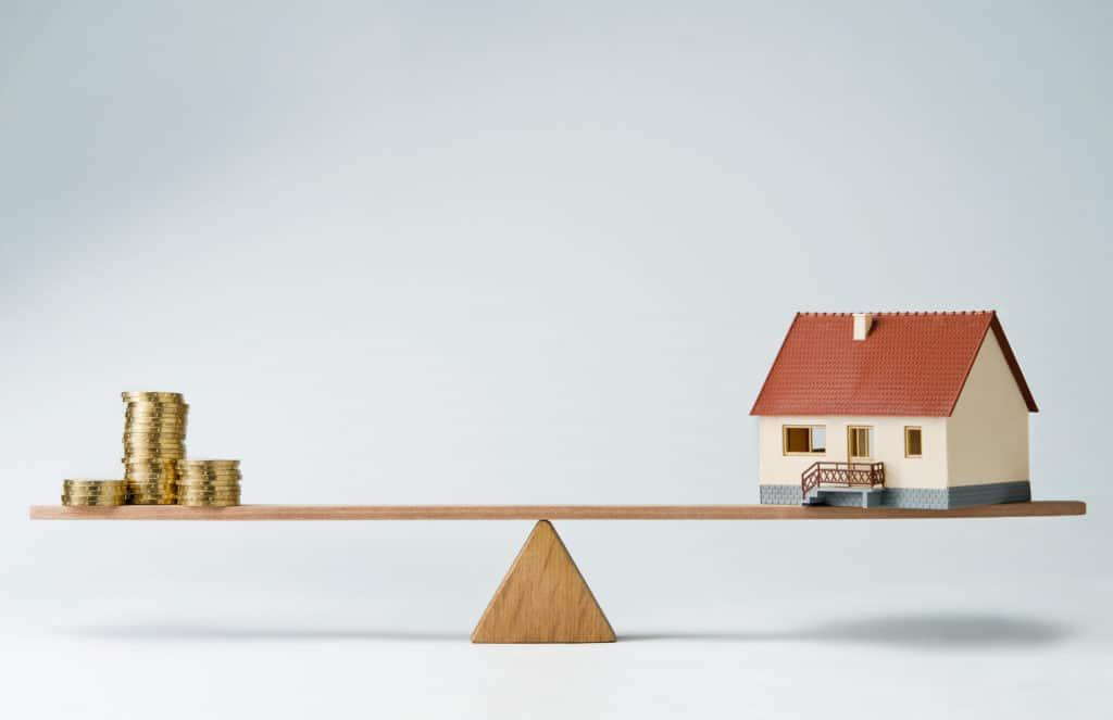 Évaluer l'impact de l'immobilier sur les niveaux de vie : les principaux éléments du débat