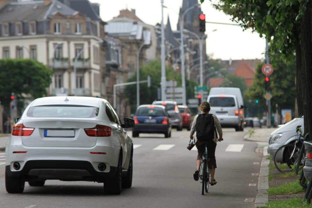 Combien de Français habitent à plus de 10 minutes en voiture d'une boulangerie ?